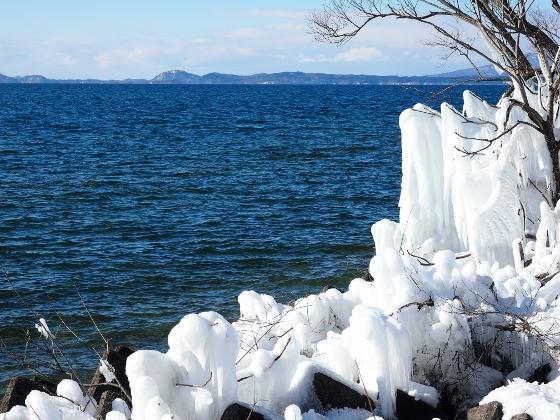 Shibuki-ice, Lake Inawashiro