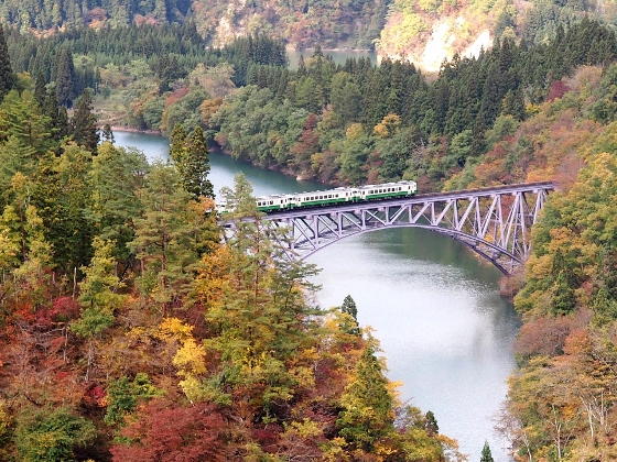 Tadami Line on a bridge